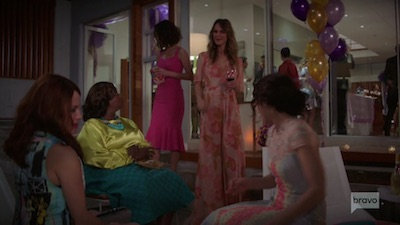Girlfriends  Guide to Divorce • S05E06