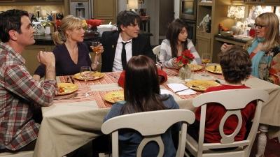 Modern Family • S02E15