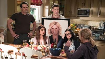 Modern Family • S09E20