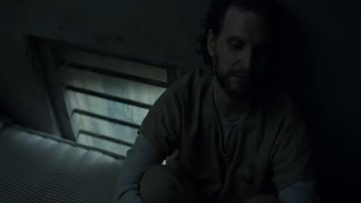 S04E01