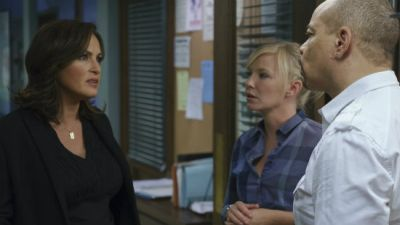 Law and Order: SVU • S16E01